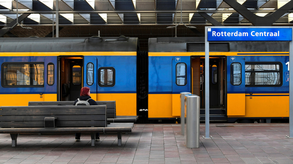 Train traffic disrupted all across the Netherlands after network malfunction leaves drivers incommunicado